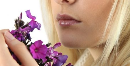 Difficulty identifying smells could be an early symptom of Alzheimer's disease